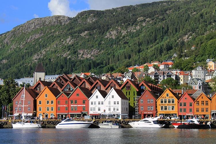 Südnorwegen entdecken - Rundreise mit eigenem Auto und Übernachtung in Ferienhäusern Foto: joaquinaristii/Foap/Visitnorway.com