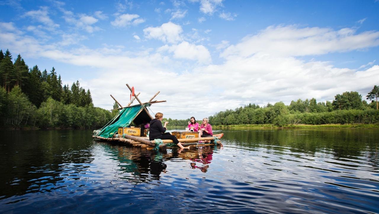 tour auf dem floß in schweden - urlaub in der natur von fjordkind-reisen