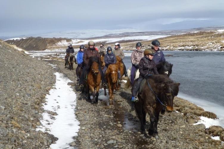 Aktivurlaub in Island vom Pferderücken aus