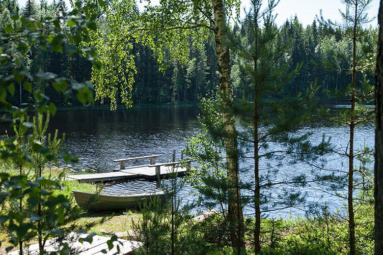 Großes Ferienhaus am See in Finnland