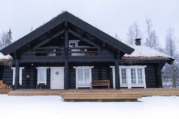 Skiurlaub in Dalarna. Familienfreundliches Skigebiet Stöten in Sälen in den Bergen Mittelschwedens