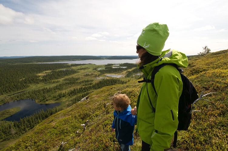 Wanderung mit der Familie in Schweden