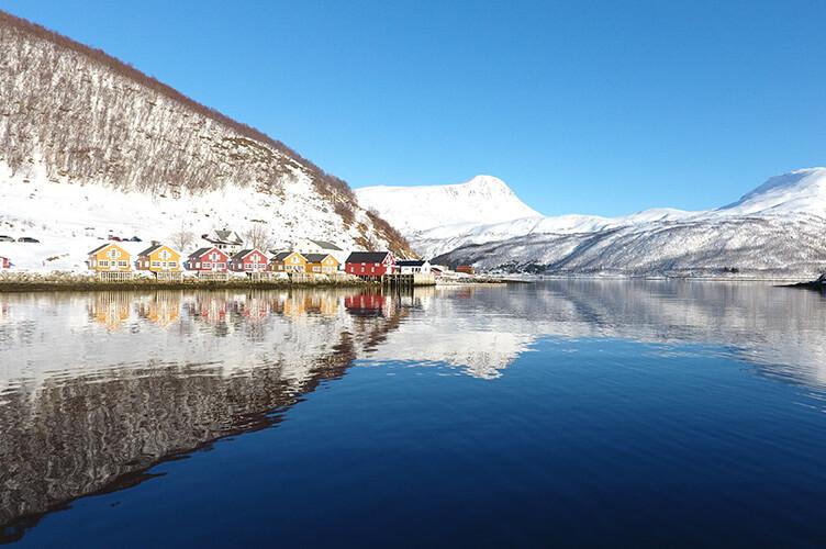 Fischerhütten im Schnee